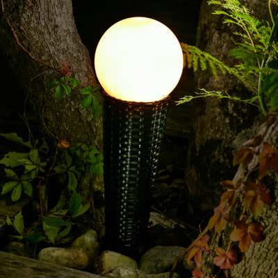 Solar-Rattan-Leuchte mit großer Kugel, ca. 15x50cm