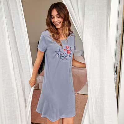 Damen-Nachthemd mit blumigem Motiv