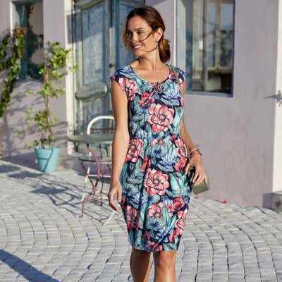 Damen-Kleid mit wunderschönem Blumenmuster