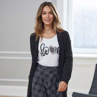 Damen-Shirt mit hübschen Schmucksteinchen