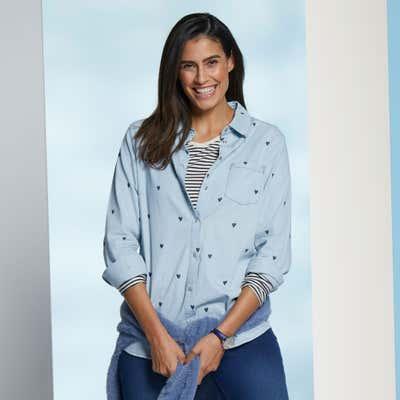 Damen-Jeans-Bluse mit Herzmuster