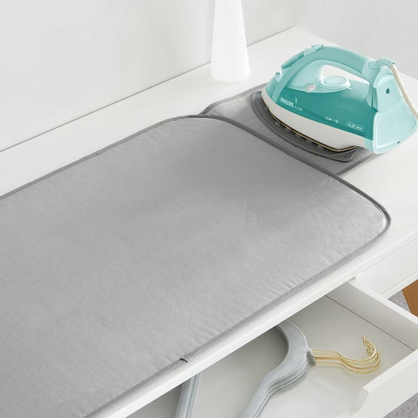 Wendbare Bügelmatte mit Silikonablage, ca. 106x47cm